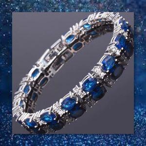 JUST IN🆕 Blue/White Oval Sapphire Tennis Bracelet
